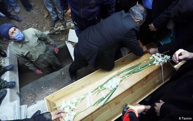 Beerdigung des Meistersängers Mohammad Reza Shajarian