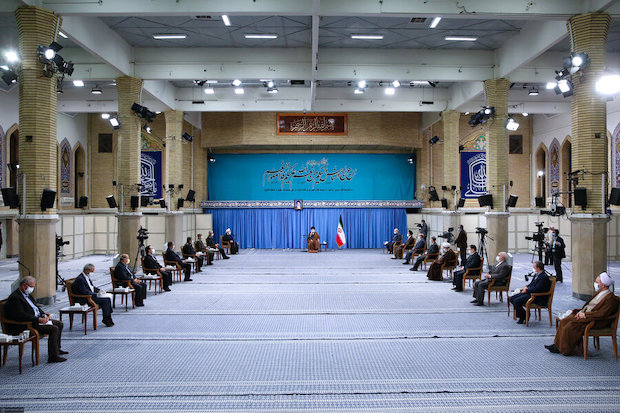 Khamenei warnt seine Anhänger