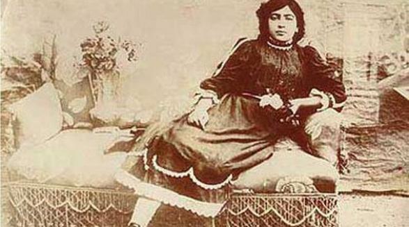 Bibi Khanom Astarabadi, Gründerin der ersten Mädchenschule des Iran