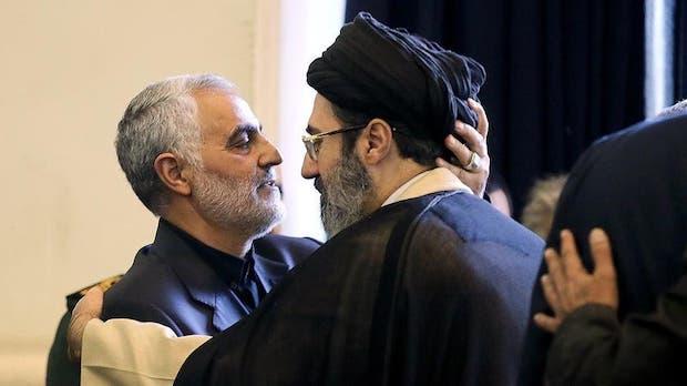 Modschtaba Khamenei wird gute Beziehungen zu den Revolutionsgarden nachgesagt - Foto: Mit dem getöteten General der Revolutionsgarden Ghasem Soleimani