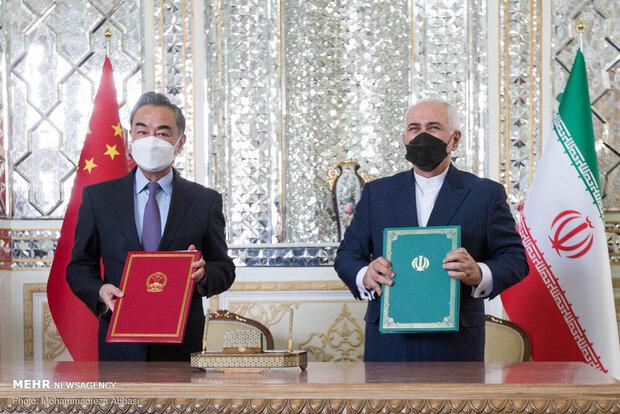 Iranischer und chinesischer Außenminister unterzeichneten am 27.03.2021 das auf 25 Jahre angelegte Kooperationsabkommen in Teheran (Foto: Mehrnews)