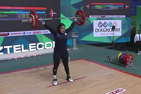 Gewichtheberin gewinnt erste iranische WM-Medaille der Frauen
