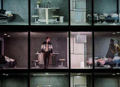 Drei Stockwerke - Bühnenbild von Woyzeck Interrupted unter der Regie von Amir Reza Koohestani - © Arno Declair