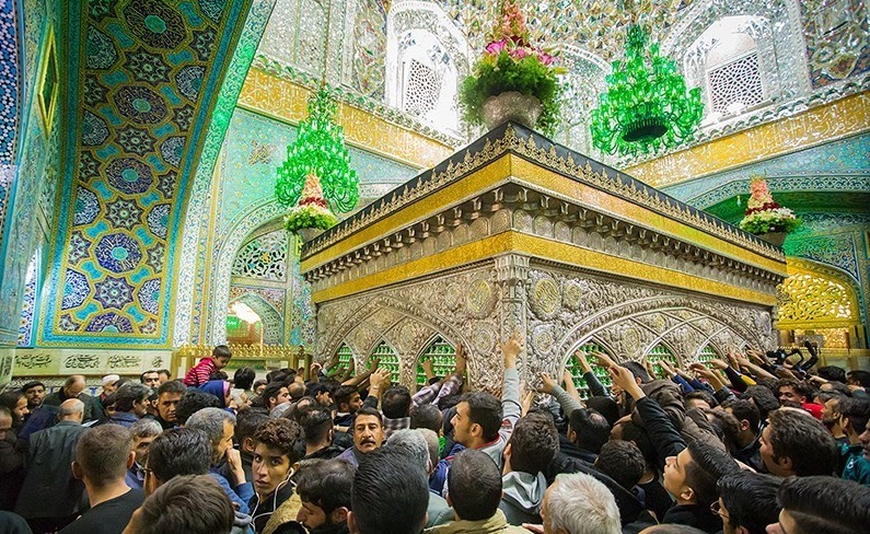 Jährlich besuchen Millionen Menschen den Schrein des achten schiitischen Imam Reza