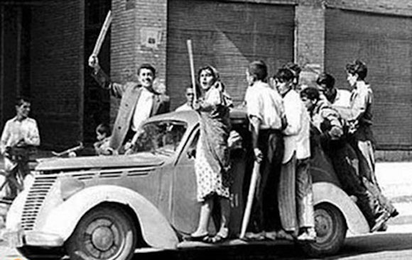 Der den CIA-Putsch unterstützende Mob in Teheran - August 1953